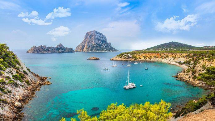 Ontdek de mooiste plekken van Ibiza ilove2travel